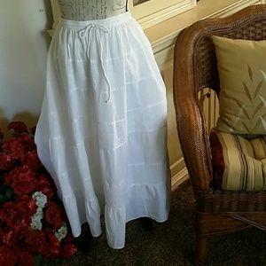 OS Casual L white eyelet midi skirt